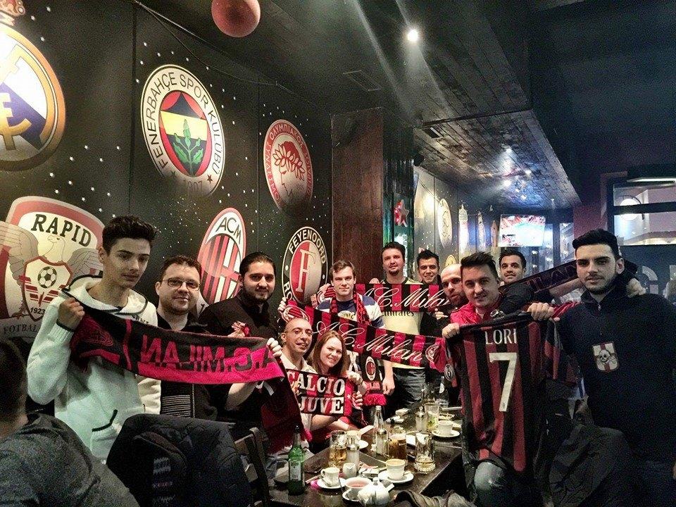 Cum se formează o comunitate-AC Milan România