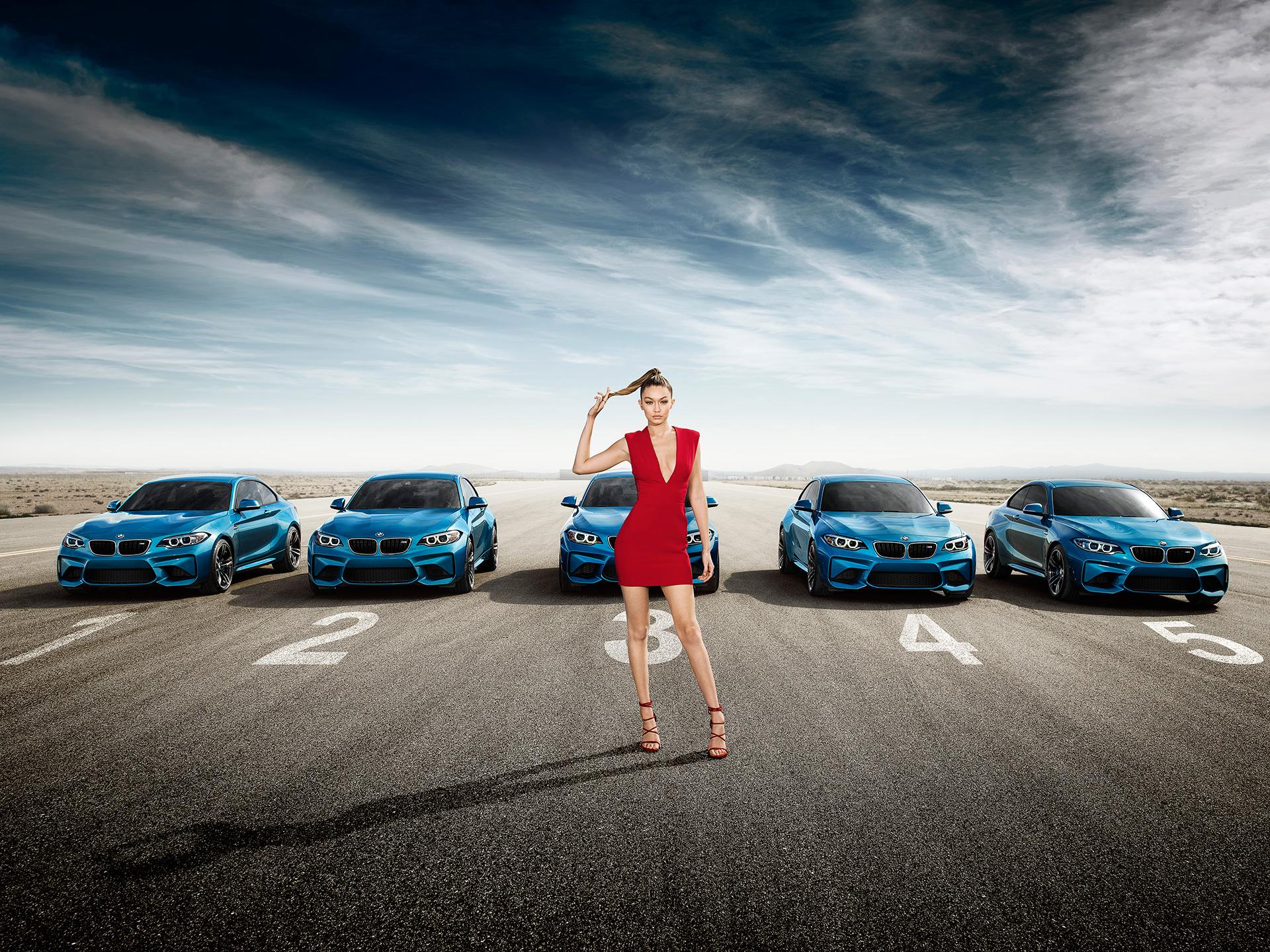 BMW joacă alba-neagra într-un clip 360