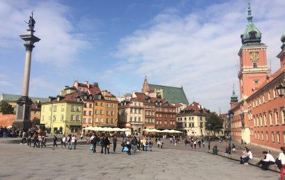 Zboară ieftin la Varşovia. Ce e de văzut şi unde mai poţi merge