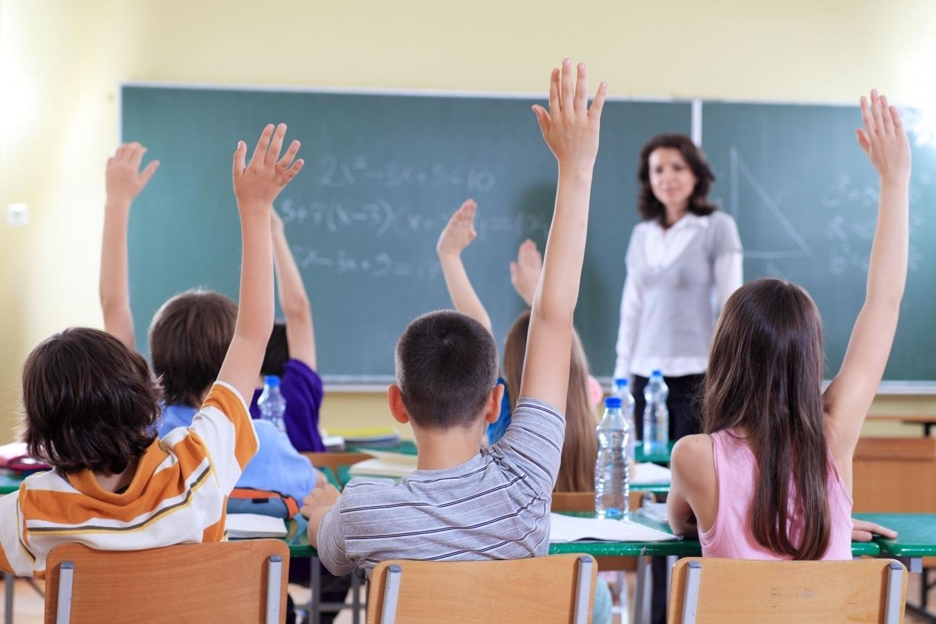 De ce reactionează liceenii la articolele despre educaţie