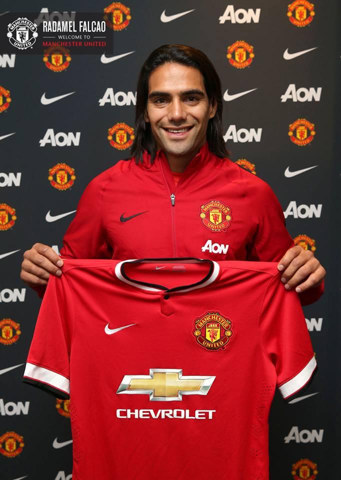 Ce castiga United!